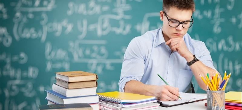 Profesor de matemáticas siguiendo el Método Singapur.