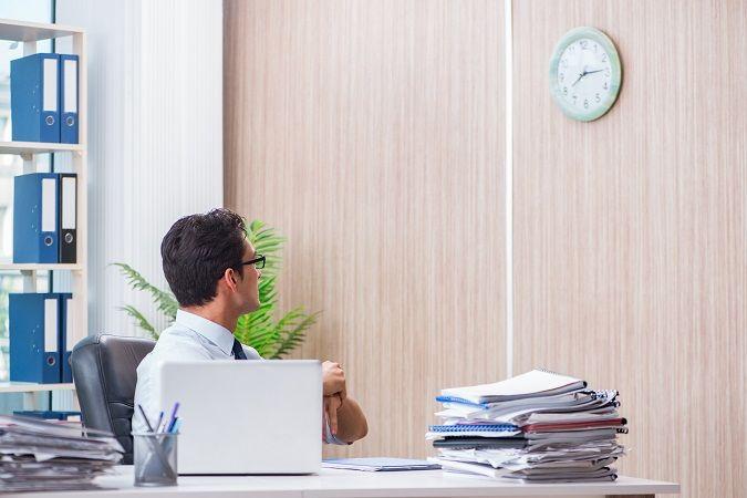El Derecho Responde (LIX): ¿Es beneficioso o perjudicial para el trabajador el sistema de registro en entradas y salidas?