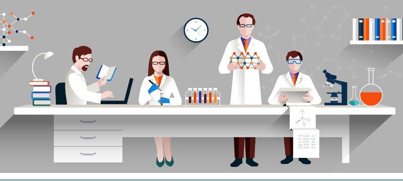 Científicos trabajando en sus invexst