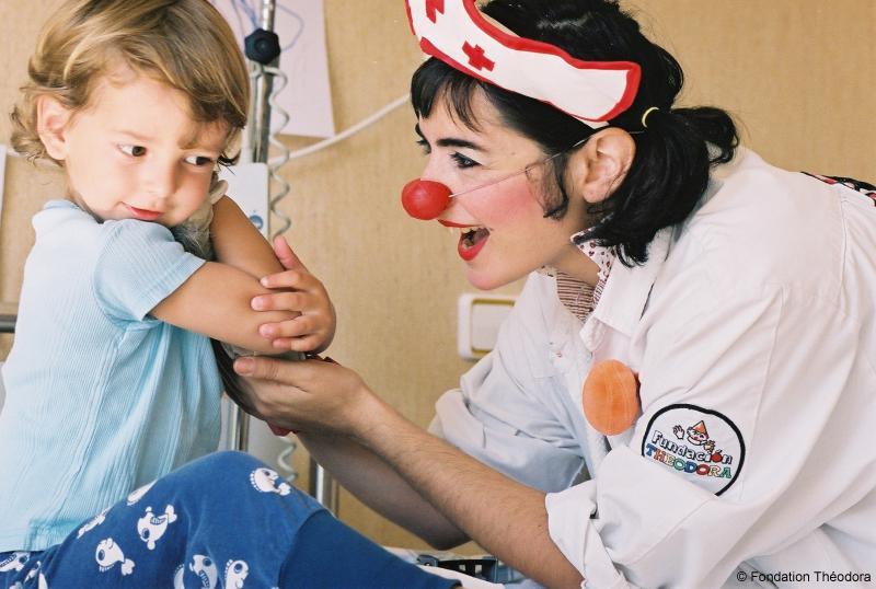 Doctora Muela Rota - Fundación Theodora (C)