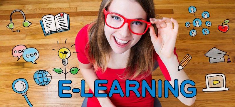 Imagen de una chica con gafas mirando desde abajo a la cámara rodeada de dibujitos y la palabra e-learning