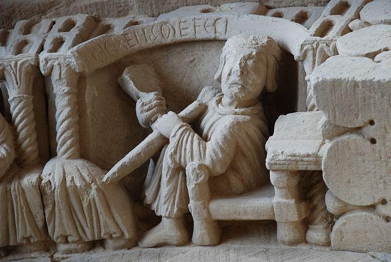 El rogatario de la inscripción. Micaelis me fecit. Revilla de Santullán (Palencia) Autor: Valdavia. Fuente: Wikipedia.