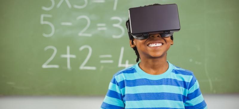 Niño con realidad virtual