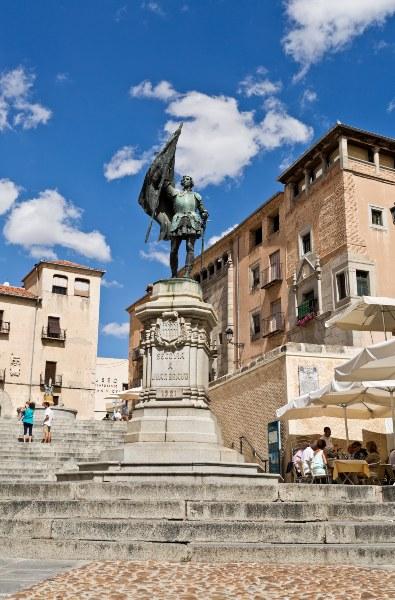 Estatua de Juan Bravo en Segovia