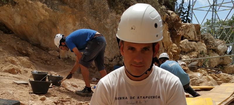 Diego Arceredillo en la campaña de excavación de Atapuerca.