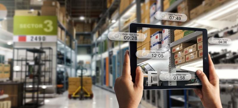 almacen que se se recorre con una tablet y van saltando imágenes de precios de algunos productos