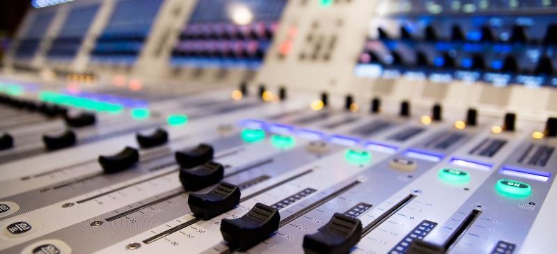 Mesa de sonido.