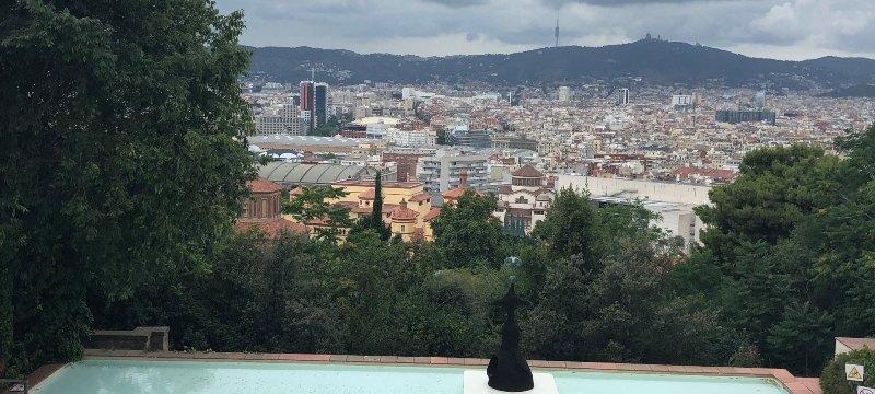 Vista del Patio norte con piscina. Fundación Miró.