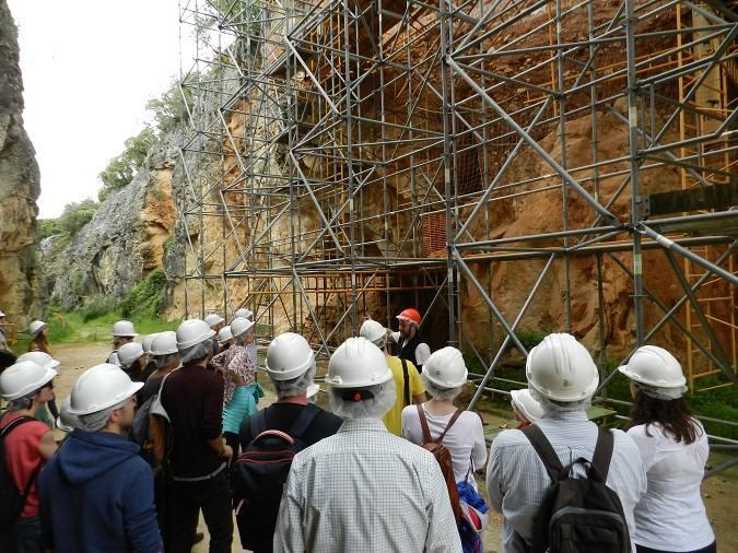 La Universidad Isabel I visita Atapuerca y el Centro de Arqueología Experimental