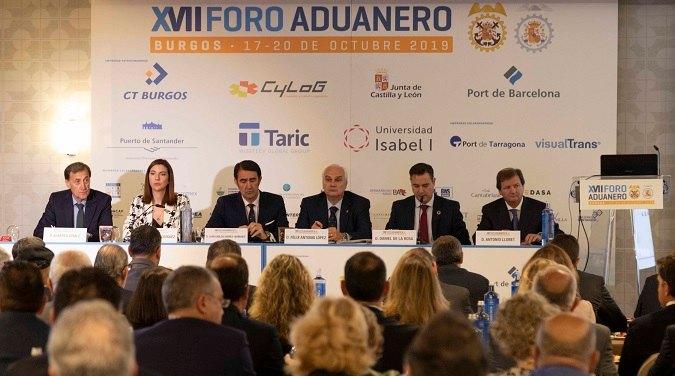 Las autoridades que han presentado la inauguración del  XVII Foro Aduanero