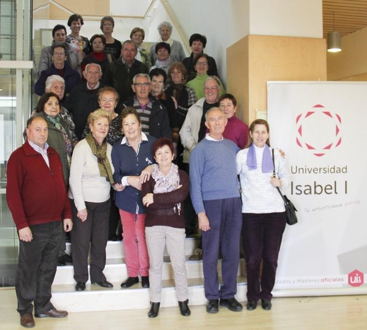 Unas 40 personas del Programa de Envejecimiento Activo visitan la Universidad Isabel I