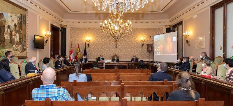 Salón de plenos de la Diputación de Burgos, lugar en el que se celebró la inauguración del curso académico de la Institución Fernán González
