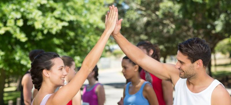 Darse la mano en el deporte
