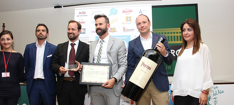 La Universidad Isabel I recibe el premio a la 'Mejor Estrategia Comercial y de Marketing de 2016'