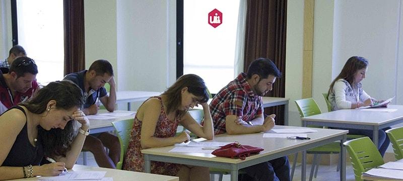 La tasa de abandono de los estudiantes de Grado de la Universidad Isabel I se reduce en más de diez puntos