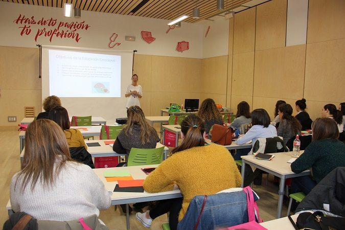 La Universidad Isabel I presenta una tasa de abandono tres veces inferior a la media nacional de la educación online