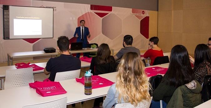 Universidad Isabel I, ui1, marketing digital, master marketing digital, becas, red.es