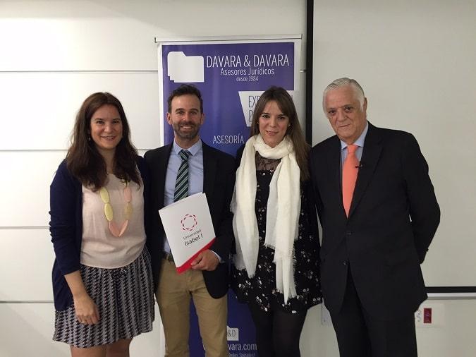 De izquierda a derecha, Elena Davara, Víctor C. Barahona, Laura Davara y M. Ángel Davara
