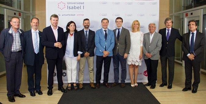 Pablo Casado visita Universidad Isabel I