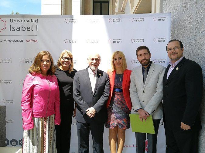 Los representantes de la Universidad Isabel I y del PALECH