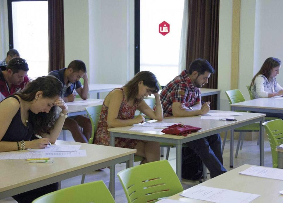 La 'vuelta a la uni' más fácil: cursos gratuitos online de la Isabel I