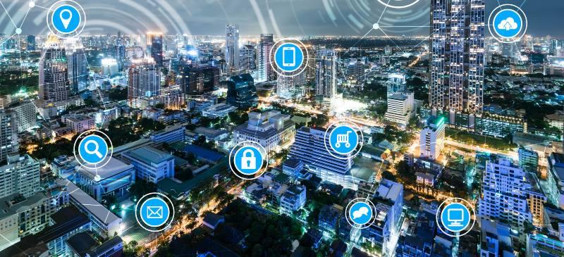La conectividad que permiten las TIC aumenta la productividad en las empresas.