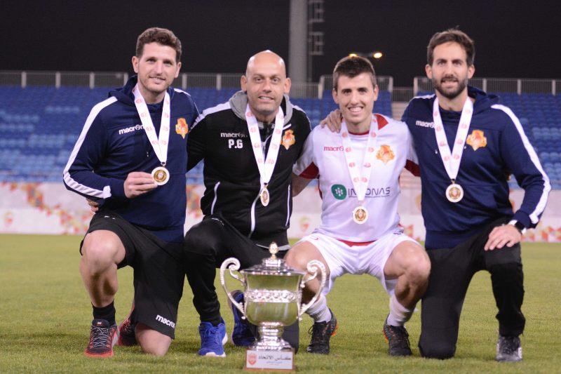 Pedro Gómez e Imanol Sarriegi con la Federation Cup Barhein