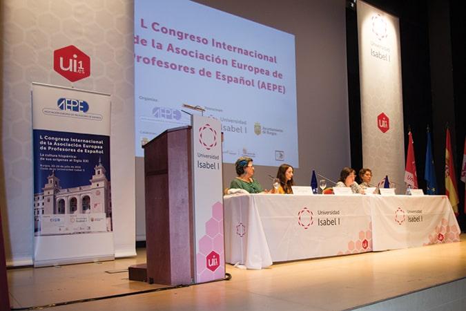 Maruxa Duart y Pascualita Morote analizaron la relevancia de la figura del Cid y su presencia en la creación literaria