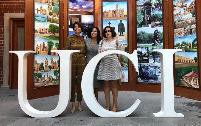 Una profesora de la Universidad Isabel I imparte una conferencia en la Universidad de Cuautitlán Izcalli