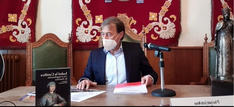 El rector en las jornadas del nacimiento de la reina Isabel I de Castilla