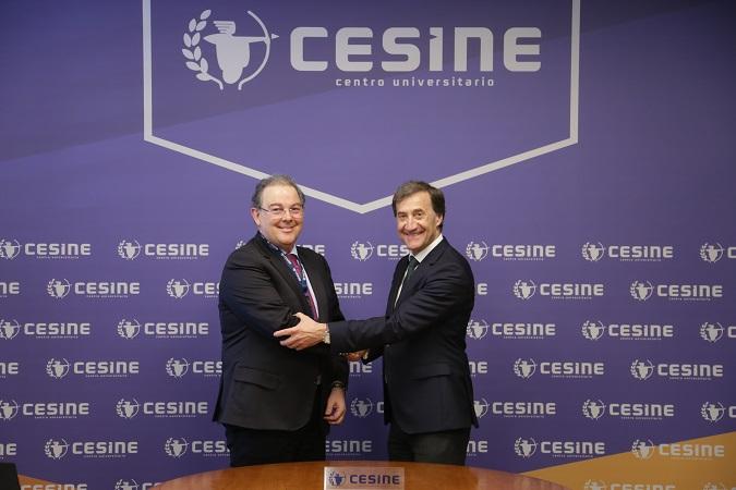 El rector con el representante de cesine