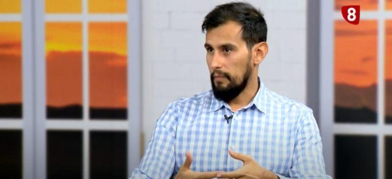 Víctor Rodríguez en el programa de La 8 Burgos, habla sobre la violencia en las calles y la teoría de los cristales rotos