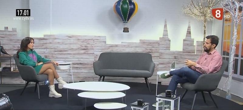 Víctor Rodríguez en el programa de La 8 Burgos, habla sobre el trabajo del detective privado