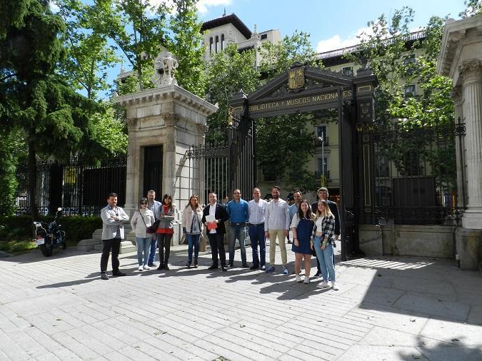 Integrantes de la visita que la Universidad Isabel I ha realizado al Museo Arqueológico Nacional con motivo del reciente 150 aniversario de la institución