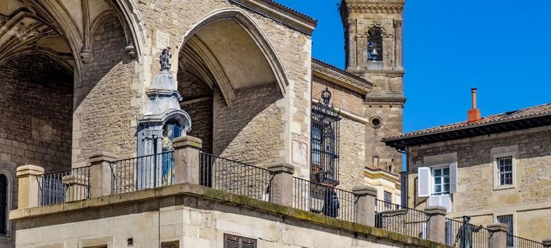 La Universidad Isabel I ofrecerá sus titulaciones a través del Instituto Europa en Vitoria